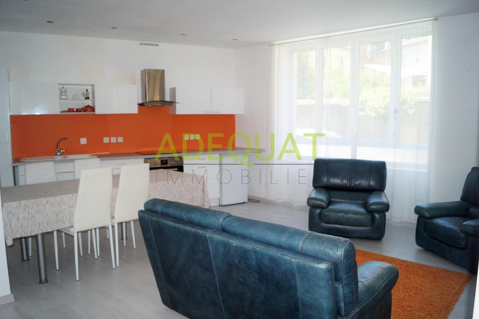 Annonce location appartement la tour du pin 38110 53 for Piscine la tour du pin